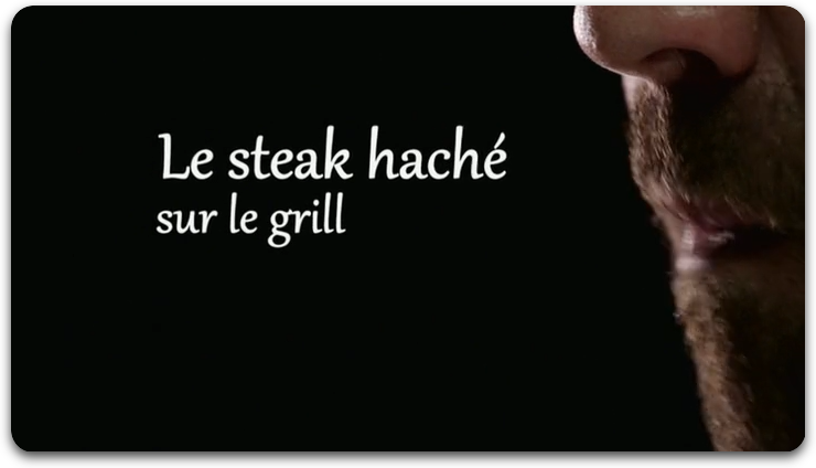 Le Steak Haché Sur Le Grill
