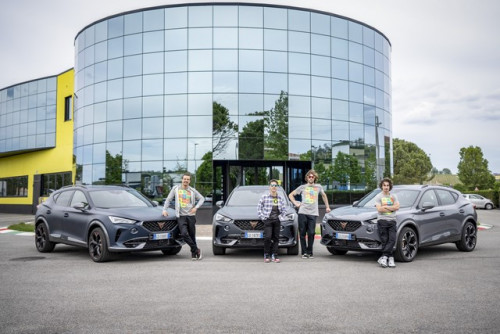 CUPRA-teams-up-with-Valentino-Rossis-VR46-Riders-Academy_1_HQ.jpg